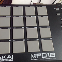Akai mpd 18 и traktor audio 4 dj